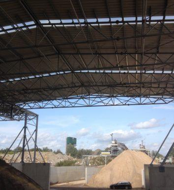 Overkappingen met metalen dakbekledingen
